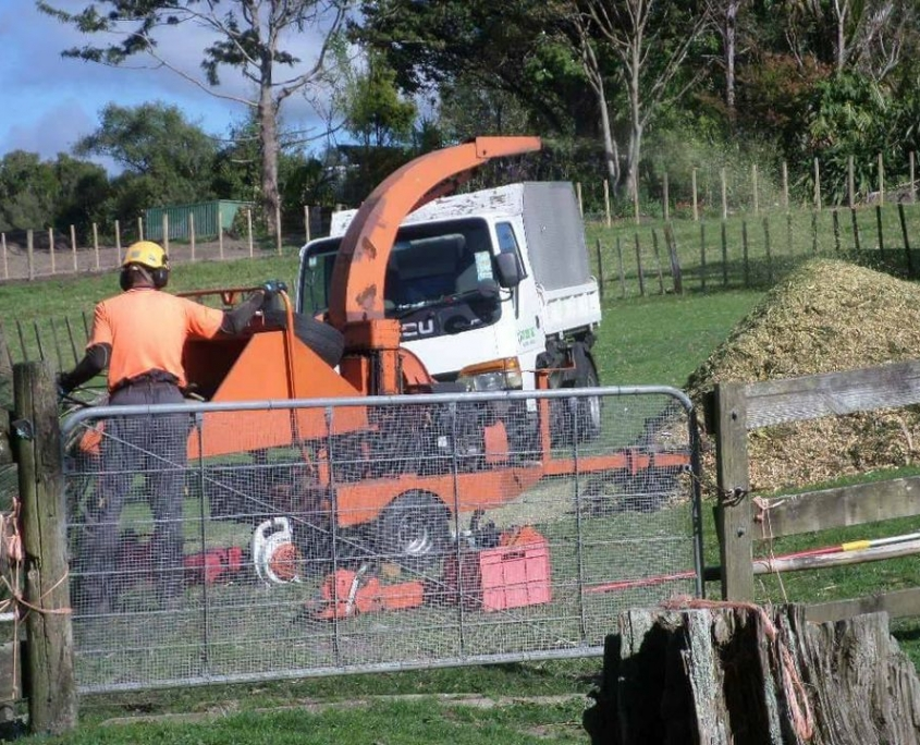 Mulching Supplies Waitakere and throughout Auckland. Call Zen Arbor Care
